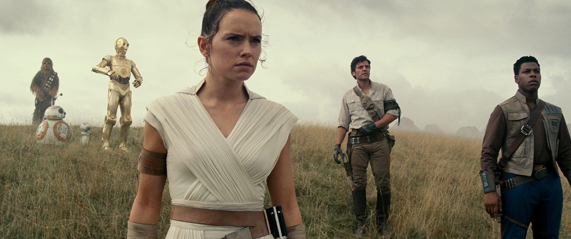 Star-Wars-the-Rise-of-Skywalker-BB8-Chewbacca-C3PO-Ray-Poe-Finn-Film-Kino-Blogbericht
