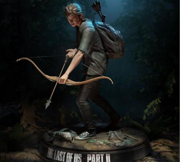 The Last of Us Part II Ellie mit Bogen Statue Figur Darkhorse